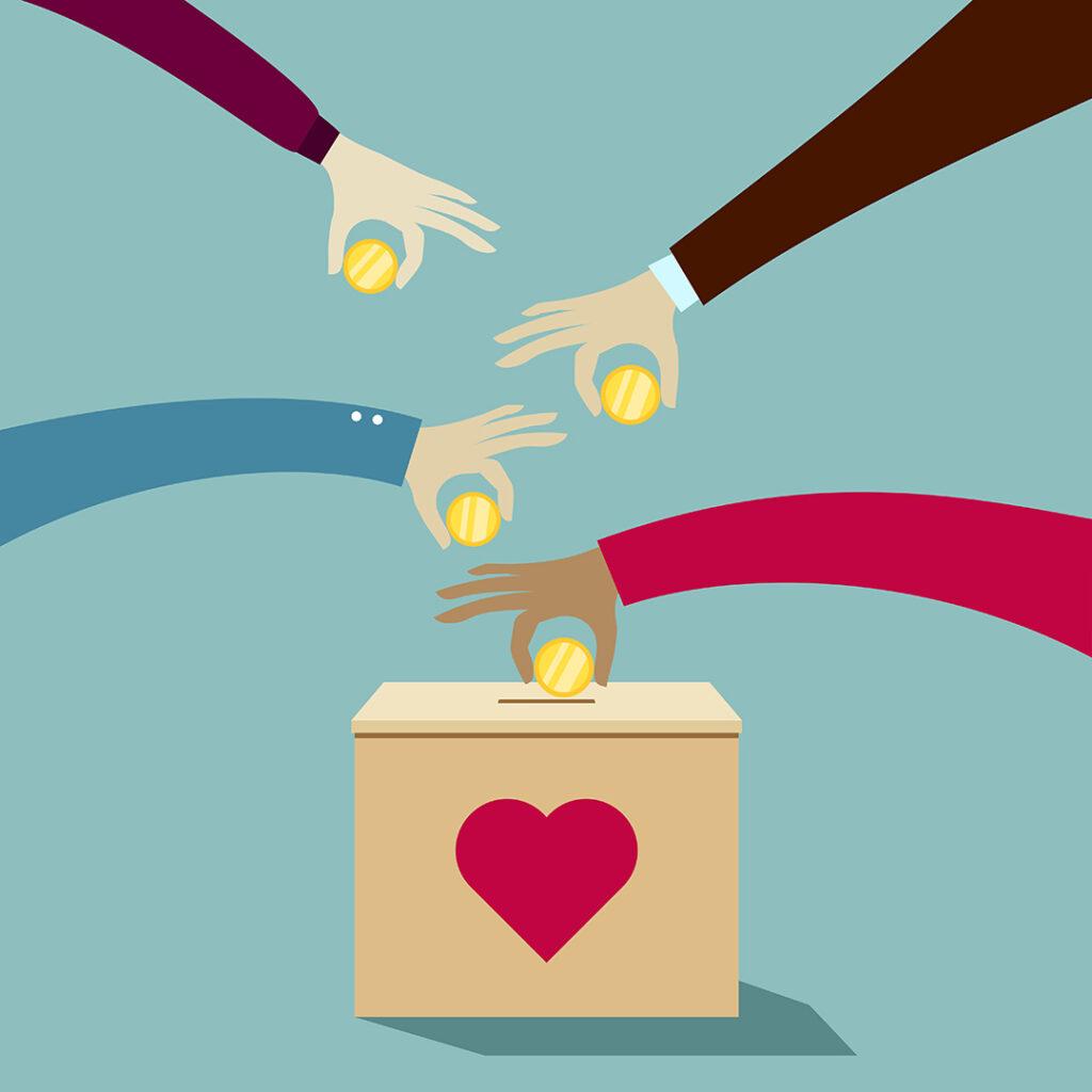 Hender putter mynter i en boks med hjerte på