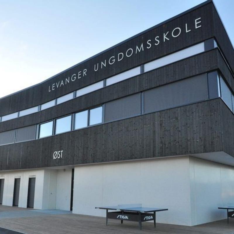 Fasaden til Levanger ungdomsskole